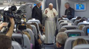 """Francisco en el avión de regreso a Roma: """"La Iglesia latinoamericana es una Iglesia de vida"""""""