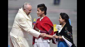 Francisco en Ecuador: Los pobres son la deuda que todavía tiene América Latina