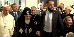 Francisco en Georgia promueve paz y unidad
