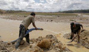Minería ilegal: de 1900 procesos penales, 89 tienen sentencia y 4 pena efectiva informa el Minam