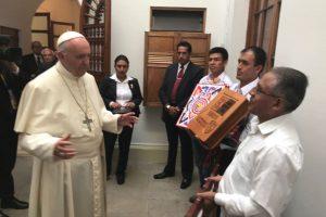 Papa Francisco denuncia condiciones de vida en las cárceles