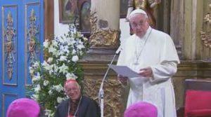 """""""No existe selfie vocacional"""" dijo Francisco a los obispos, sacerdotes, religiosas, diáconos y laicos reunidos en la catedral"""