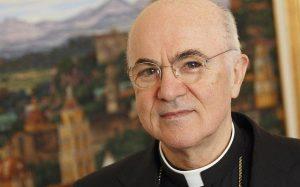 Viganò, exnuncio en EEUU y líder de los rigoristas, acusa al Papa de encubrimiento