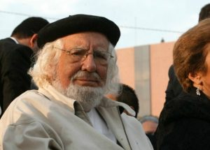 Vaticano rehabilita al sacerdote nicaragüense Ernesto Cardenal