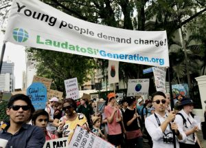 """""""Generación Laudato Si"""" marchó una vez más por el cambio climático"""