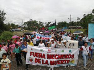 Provincias amazónicas de Ecuador realizaron marcha para poner fin a la quema de mecheros