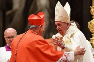 """Francisco pide a nuevo cardenales """"compasión, buscar a los descartados"""""""