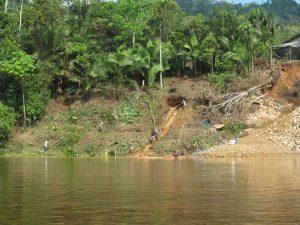 Amazonas: Líder indígena muere sepultado por desmonte de minería ilegal