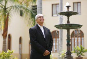 """Arzobispo de Lima: """"Queremos que la juventud viva con valor humano para generar luego adultos sanos"""""""