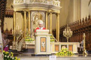 """Arzobispo de Lima: """"Estamos llamados a cargar la vida de nuestro pueblo como servidores"""""""