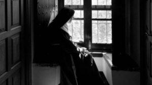 Revista 'La Civilización Católica' denuncia abusos de poder entre monjas