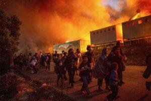 Incendio en el campamento de Moria