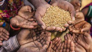 """El Papa propone un """"Fondo Mundial"""" para derrotar el hambre con el dinero que se invierte en armas"""