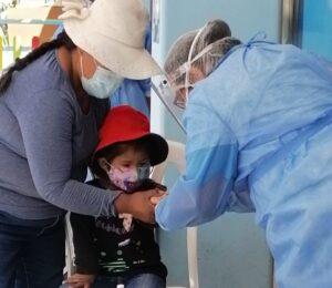 Moquegua: Niñas y niños reciben atención gratuita contra la anemia
