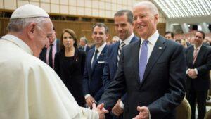 """El Papa pide a Joe Biden que promueva """"la reconciliación"""" en Estados Unidos"""