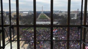 """Obispos de Estados Unidos ante asalto al Capitolio: """"Esto no es lo que somos"""""""