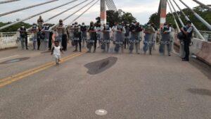 Frontera con Brasil: Más de 300 migrantes haitianos esperan ingresar a Perú
