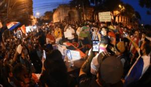 Paraguay: Piden renuncia del gobierno y obispos acompañan el clamor popular